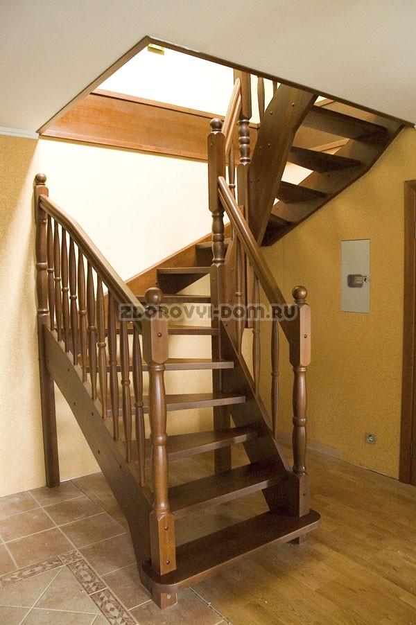 Лестница для коттеджей фото